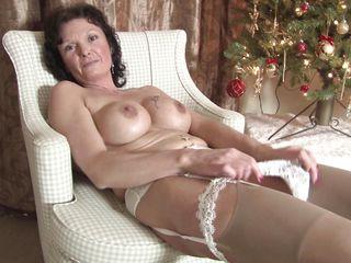 Порно бабульки дрочат