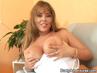 Порно мамочек с маленькой грудью
