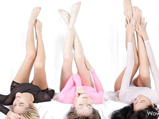 Девушки в трусиках домашнее