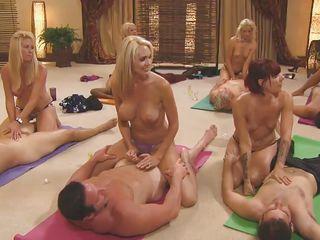 Групповуха бисексуалов видео