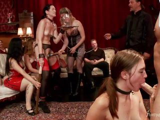 Секс вечеринки на публике