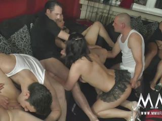 Смотреть русское видео любительский секс втроем семейный