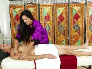Порно массаж сквиртинг