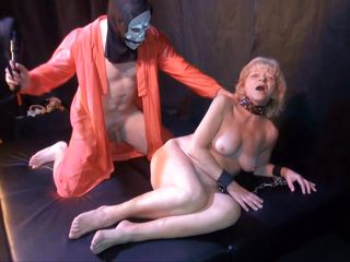 Порно видео наказал жену
