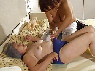 смотреть порно зрелые лесбиянки