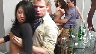 порно вечеринки в контакте