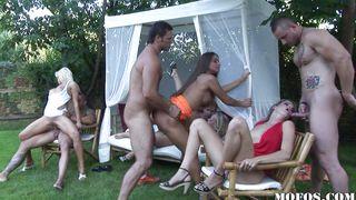 порно зимняя вечеринка