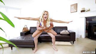 порно ролики бесплатно ебут жопастых блондинок