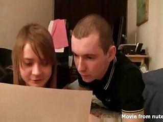 Секретарша со стройной грудью порно видео
