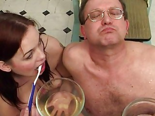 Порно бдсм писсинг