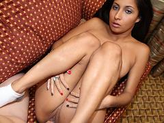 Застенчивая горничная порно мультик