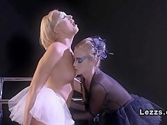 Фильмы онлайн порно оргазм