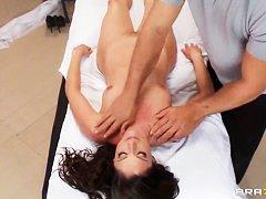 Смотреть бесплатно эротический массаж