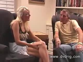 Порно блондинки кончают