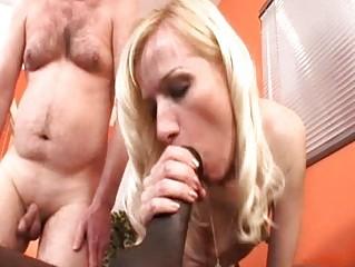 Блондинка с муж