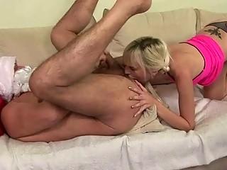 Порно выебать старушку