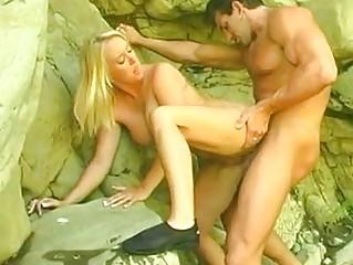 Фото блондинка с парнем